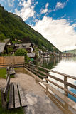 Bank door meer Hallstatter Stock Foto