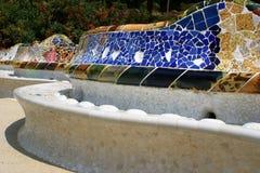 Bank durch Gaudi Stockbilder