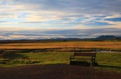Bank in een weide in IJsland Royalty-vrije Stock Afbeelding