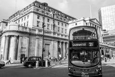 Bank of England i staden av London - LONDON - STORBRITANNIEN - SEPTEMBER 19, 2016 Arkivbilder