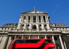 Bank of Englandyttersidan, Threadneedle Street, London, England royaltyfri foto