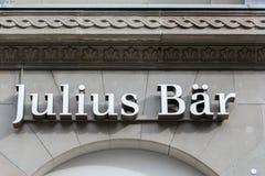 Bank Julius Baer in het Zwitserse financiële centrum royalty-vrije stock fotografie