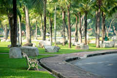 Bank in park Lumphini stock foto's