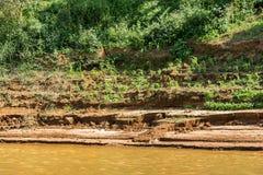 Bank van de rivier Nam Khan van riviernam khan in Luang Prabang, Laos Exemplaarruimte voor tekst royalty-vrije stock afbeeldingen