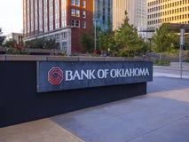 Bank von Oklahoma-Hauptsitz bei im Stadtzentrum gelegenem Oklahoma City - OKLAHOMA CITY - OKLAHOMA - 18. Oktober 2017 stockfotografie