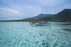 banka蓝色小船捕鱼舷外架菲律宾 库存照片