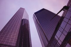 banka deutsche Frankfurt twintowers Zdjęcia Royalty Free