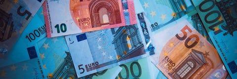 banka euro pięć ostrości sto pieniądze nutowa arkana euro gotówkowy tło Euro pieniędzy banknoty zdjęcia stock
