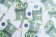 banka euro pi?? ostro?ci sto pieni?dze nutowa arkana euro got?wkowy t?o Euro pieni?dzy banknoty obraz royalty free