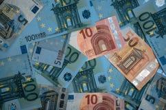banka euro pi?? ostro?ci sto pieni?dze nutowa arkana euro got?wkowy t?o Euro pieni?dzy banknoty zdjęcia royalty free