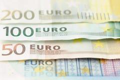 banka euro pi?? ostro?ci sto pieni?dze nutowa arkana euro got?wkowy t?o Euro pieni?dzy banknoty fotografia royalty free