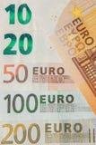 banka euro pi?? ostro?ci sto pieni?dze nutowa arkana euro got?wkowy t?o Euro pieni?dzy banknoty T?o od r??nych euro banknot?w zam fotografia stock