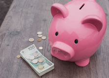 Banka /money savings przyrost/pojęcie obrazy stock
