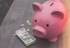 Banka /money savings przyrost/pojęcie Zdjęcia Stock