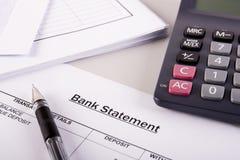 Banka oświadczenia analiza zdjęcie stock