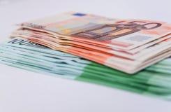 Bankbiljetten euro close-up als achtergrond Stock Afbeeldingen