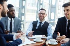 Banker bei der Sitzung lizenzfreie stockfotos