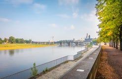 Bankerna av Elben i Dresden arkivbilder