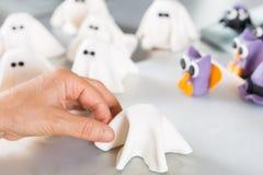 Banketbakker met cijfers van Halloween Stock Foto