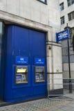 Bankfilial av Halifax Bank i London, England, Förenade kungariket royaltyfria bilder