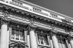 Bankgebäude in Lissabon - banko Totta Acores - LISSABON/PORTUGAL - 15. Juni 2017 Stockbilder