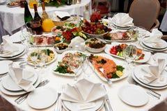 bankieta świąteczny położenia stół Zdjęcie Royalty Free