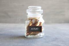 Bankkonto som packar ihop finansiell besparingidé Arkivbild