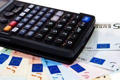 banknotów kalkulatora euro na Obraz Stock