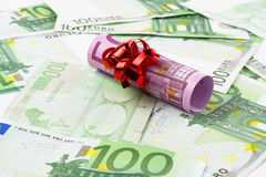 500 € banknote with bow Royalty Free Stock Photography