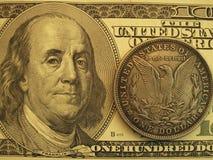 Banknote und Weinlese mit 3 moderne US eine Dollarmünze Stockbilder
