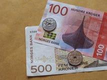 Banknoten der norwegischen Krone und Münzen, Norwegen Stockfotografie
