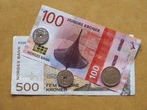Banknoten der norwegischen Krone und Münzen, Norwegen Stockbilder