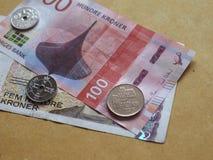 Banknoten der norwegischen Krone und Münzen, Norwegen Stockfotos