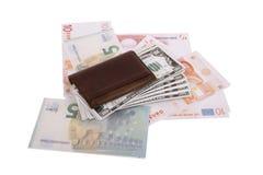 Banknoten unter Geldbörse Lizenzfreies Stockbild