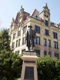 banknotu czarny dolarów pięćdziesiąt dotacja odizolowywał obrazka portret s Ulysses my biały Grant statua w śródmieścia St Louis zdjęcie royalty free