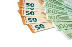 Banknoty sto i pięćdziesiąt euro na białym tle zdjęcia stock