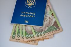 Banknoty USA dolary i Ukraiński hryvnia obraz royalty free