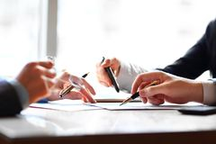 Bankowość biznes lub pieniężny analityki desktop Zdjęcia Stock