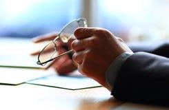 Bankrörelseaffär eller finansiellt analyticsskrivbord Fotografering för Bildbyråer