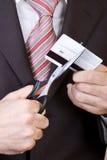 Bankrott - zu den Scheren eine Kreditkarte Stockfoto