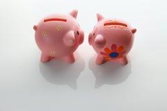 banks många som är piggy Arkivfoton