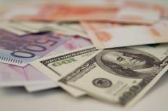 Banksedlar dollar, euro, rubel Arkivfoto