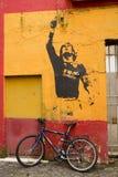 banksy街道画荣誉称号lionel messi 免版税图库摄影