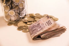 Bankwezenbankbiljetten en muntstukken Royalty-vrije Stock Afbeelding