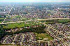 Banlieues et interaction, vue aérienne image libre de droits