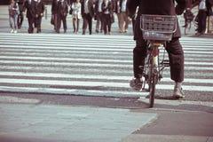 Banlieusards de ville de Tokyo Photographie stock libre de droits