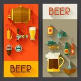 Banners met bierpictogrammen en voorwerpen in vlakke stijl Stock Fotografie
