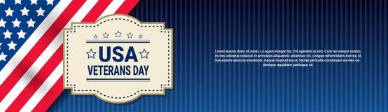 Bannière américaine nationale de vacances de célébration de jour de vétérans au-dessus de fond de drapeau des Etats-Unis Images libres de droits