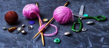 Bannière avec le tricotage d'outil Photo stock