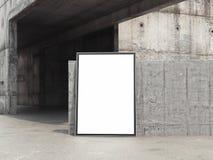 Bannière blanche vide sur les murs en béton, rendu 3d Photo libre de droits